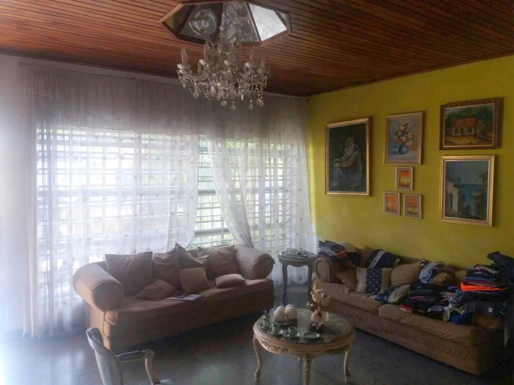 cómoda casa trigal centro