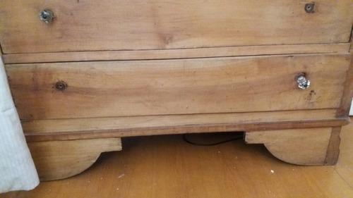 cómoda de madera