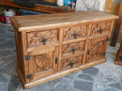 cómoda vintage tallado en madera acabado barniz envejecido