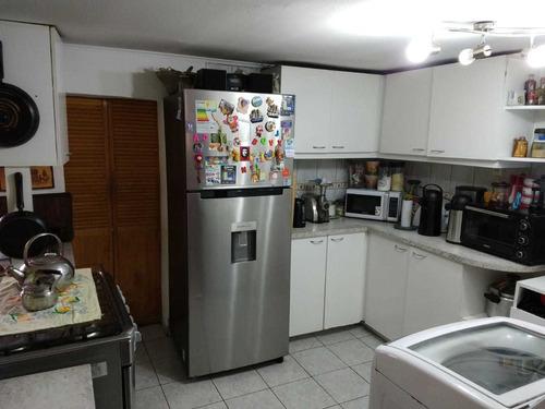 cómoda y amplia casa cercana al metro