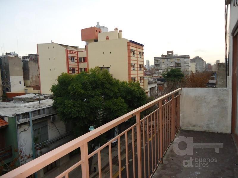 cómodo 2 ambientes con terraza!