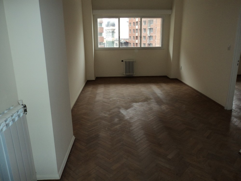 cómodo  apartamento en buen edificio