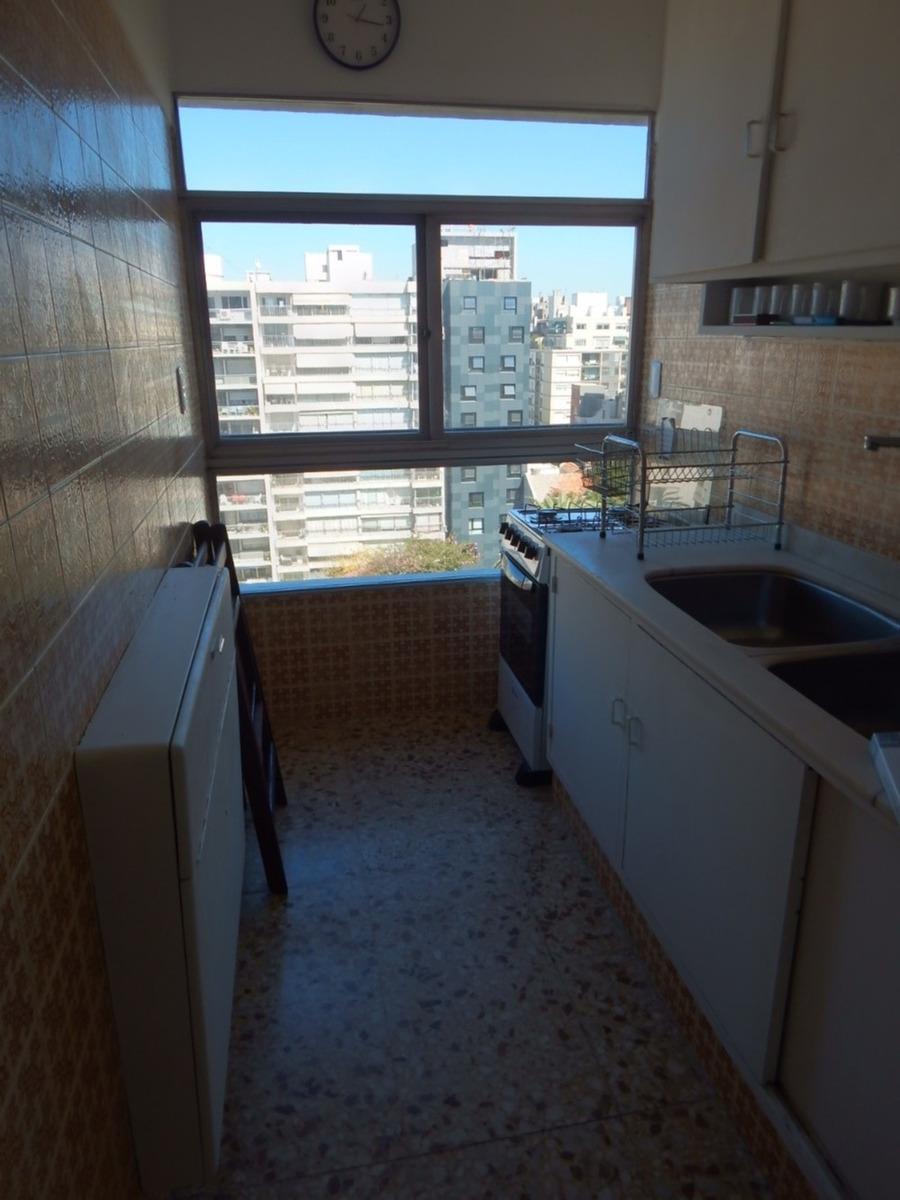 cómodo apartamento punta carretas frente al mar 2dorm.