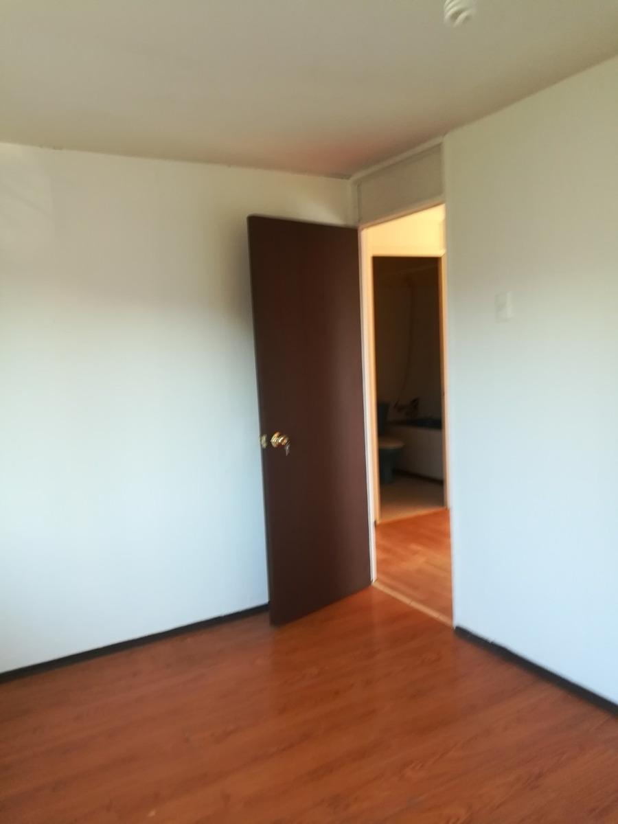 cómodo departamento de tres dormitorios ,un baño, terraza,
