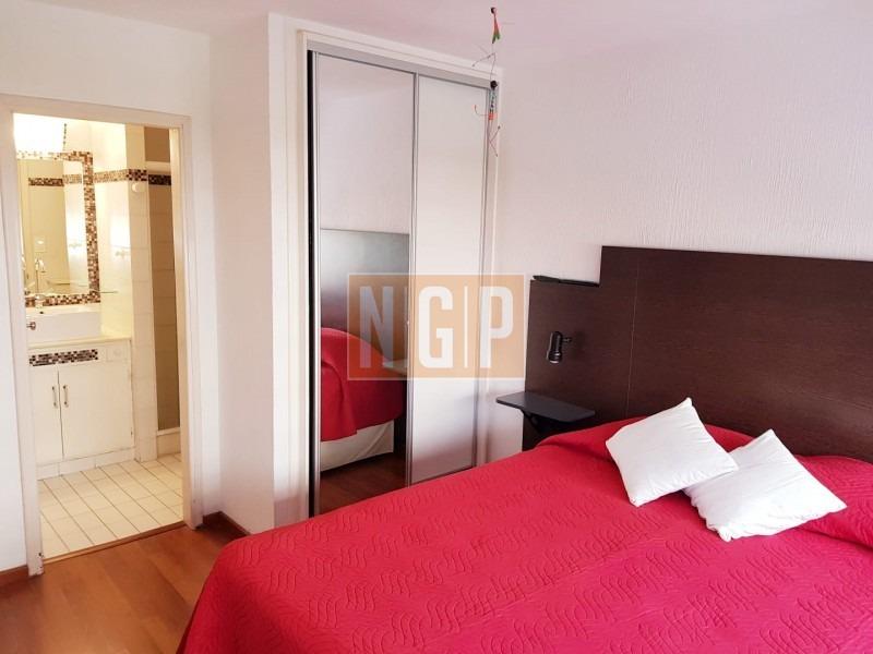 comodo y luminoso de 2 dormitorios, cerca de todos los servicios  ubicado en una de las mas transitadas avenidas de punta del este, al frente del edif-ref:12215