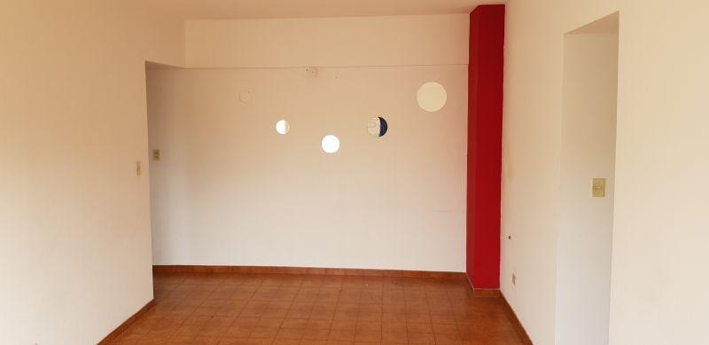 cómodo y luminoso departamento