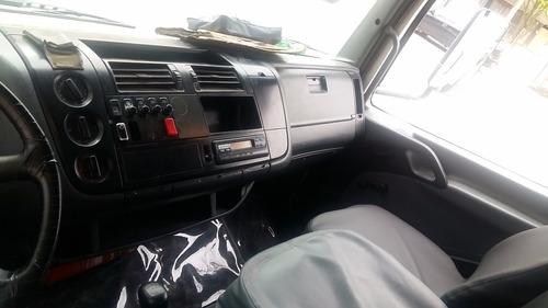 compactador 1718 atego ano 2005