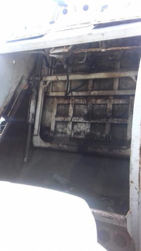 compactador de basura marca mcneilus años 2012 para torton