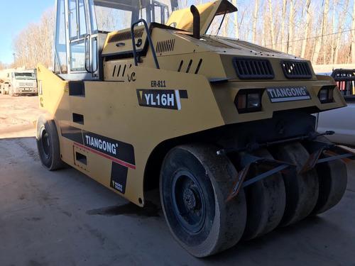 compactador neumárto yl16h año 2011 con 800 horas