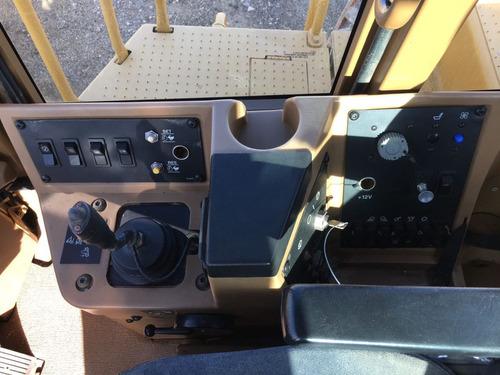 compactador pata de cabra marca caterpillar modelo 815f