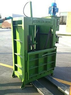 compactadoras, bandas transportadoras, elevadores, molinos.