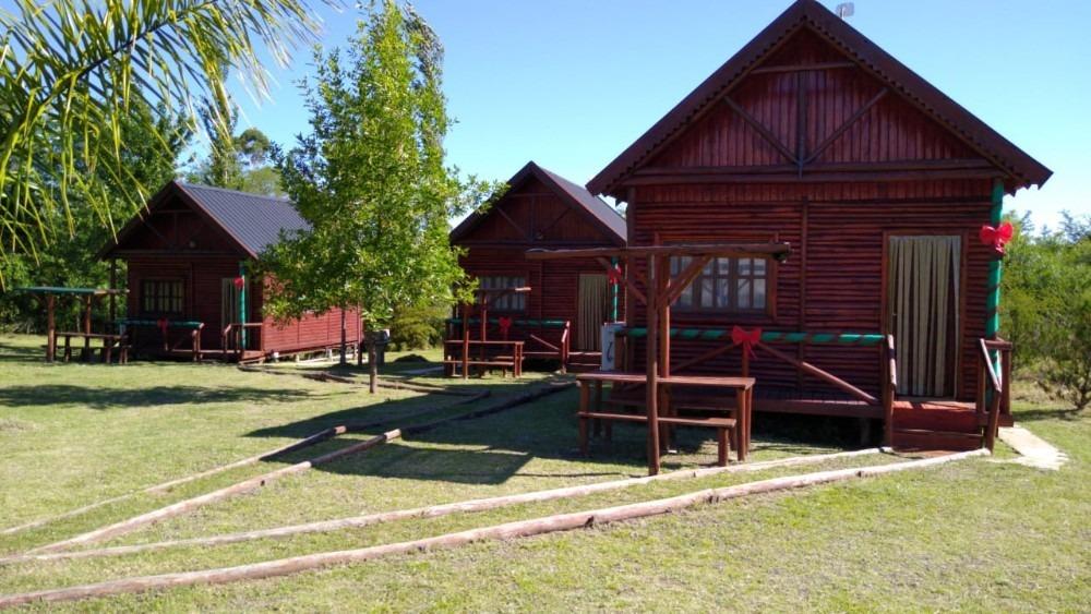 complejo con tres cabañas para turismo senderos del ñandubay