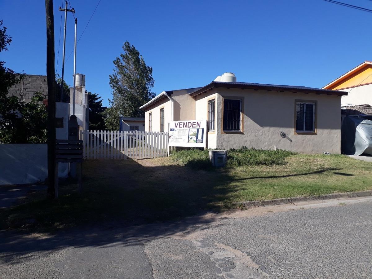 complejo de 4 casas en planta baja