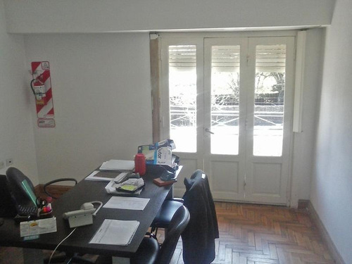 complejo de oficinas, depósito y depto en 3era planta. venta y alquiler