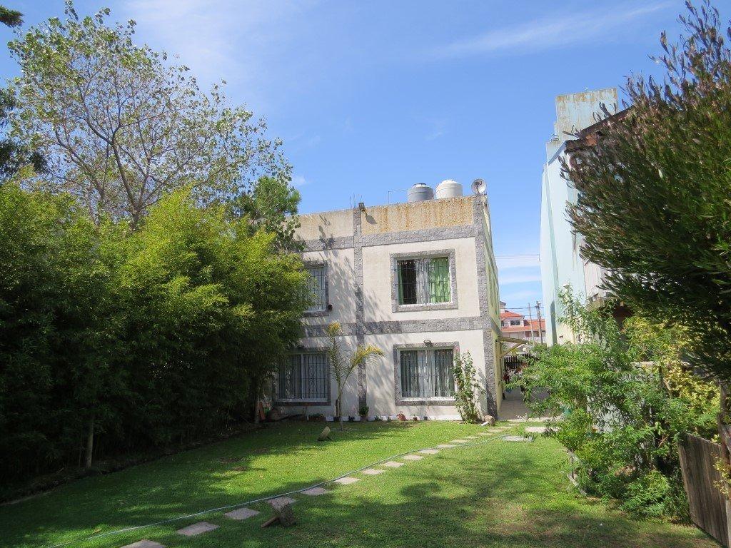 complejo en venta-mar de ostende-4 unidades 2 ambientes amplios+jardin con parrilla-cloacas