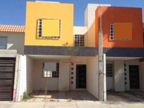 compra hermosa casa en las mercedes!!