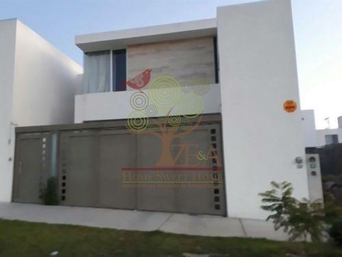 compra hermosa casa en villamagna 1ra etapa