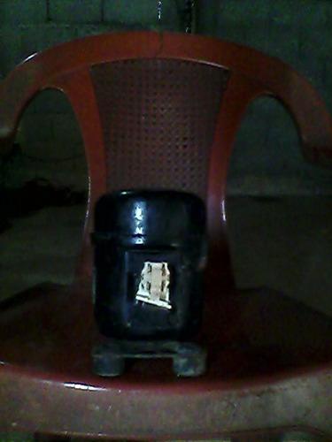 compresor 1/8  de nevera ejecutiva o enfriador de botellon