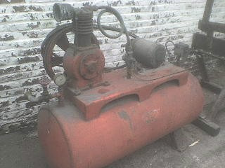 compresor de aire  goldenberg  - 2 hp - trifásico.