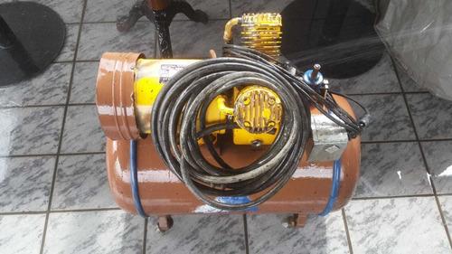 compressor porte médio em perfeito estado de funcionamento
