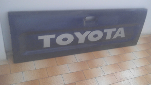 compuerta hilux 1997-05 doble cabina 4x4