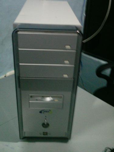 computador moderno usado ideal para estudiantes,oficinas
