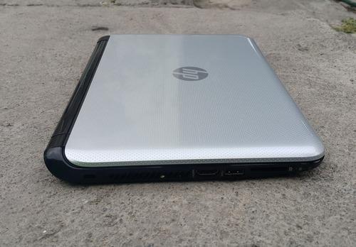 computadora laptop hp  pantalla táctil sin detalles