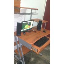 Computadora Con Mesa.
