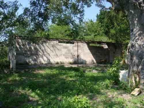 con escrituras, amplio terreno con pozo de agua, poste, transformador