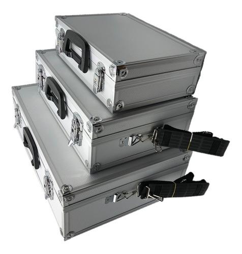 con herramientas maletin
