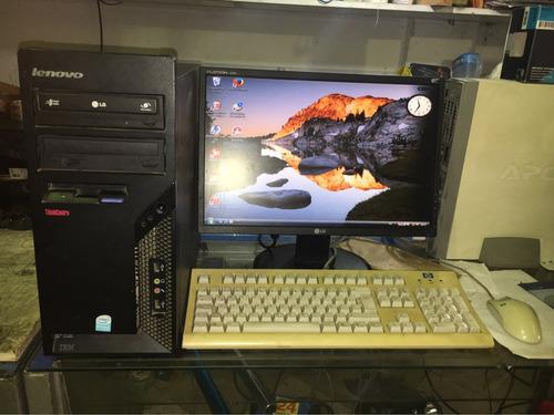 con monitor computadora
