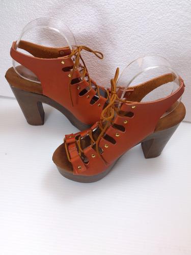 con tacón zapatillas