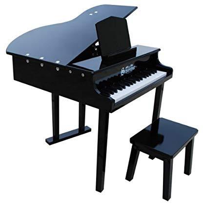 concierto de piano de cola con banco a juego de color negro