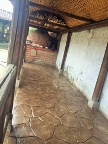 concreto estampado decorativo piso de colores y texturas