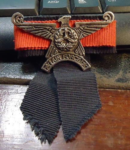 condecoración militar fuerza aérea.