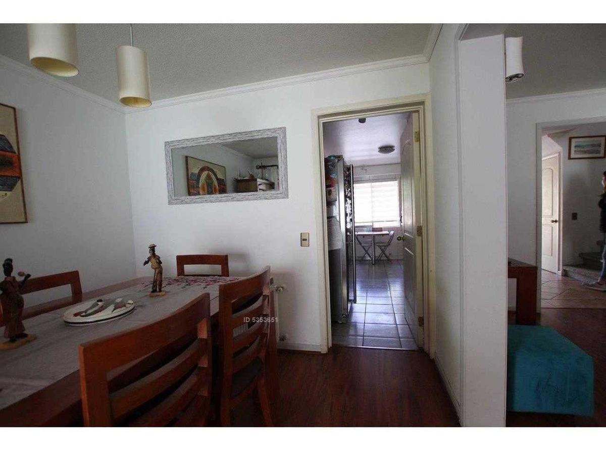 condominio barrio la hacienda / metro quilin