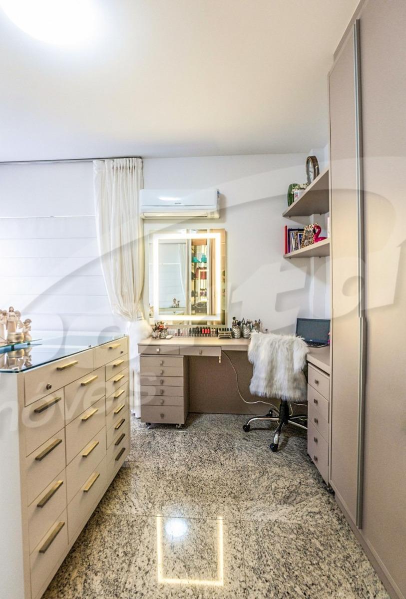 condomínio beverly hills residence linda cobertura duplex, contendo 570 m² privativos , sendo 6 suítes, 04 vagas, finamente mobiliada e decorada. possui 2 living de tirar o folego, mesa de sinuca, vi