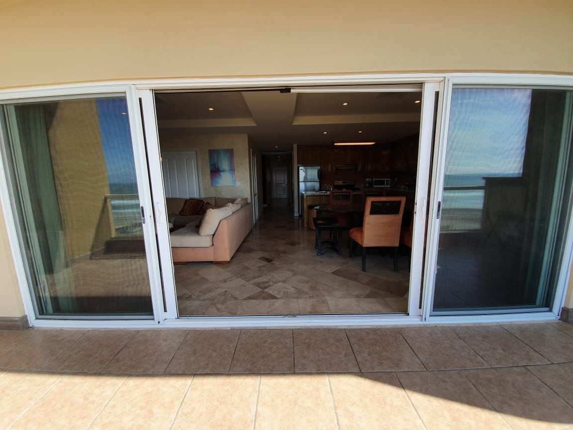 condominio de lujo en renta amueblado/equipado  frente al mar ( rosarito)