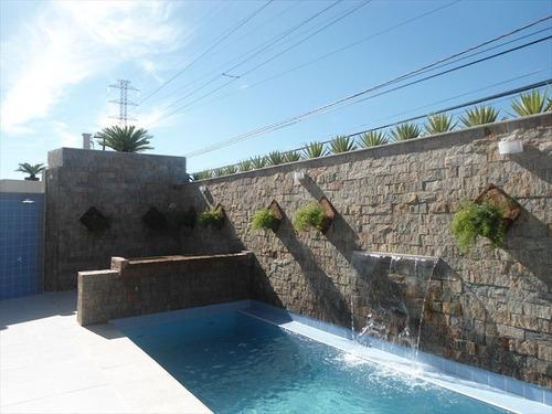 condomínio fechado com piscinas em itanhaém.