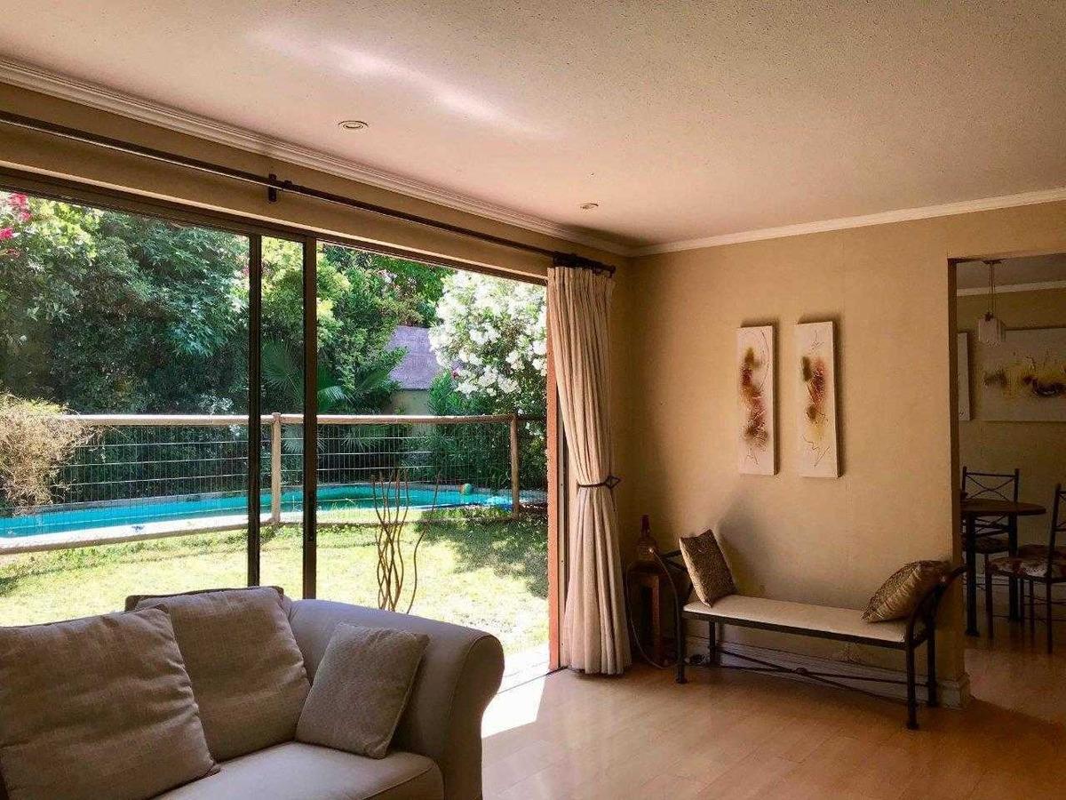 condominio, piscina, amplia y comoda, importantes areas verdes en condominio