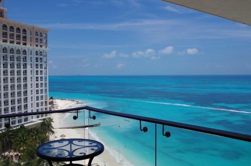 condominio punta cancun