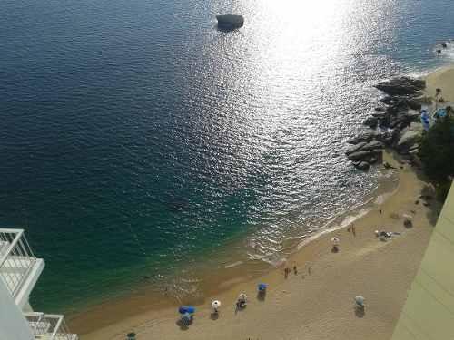 condominio sobre playa en bahia de acapulco oportunidad1083