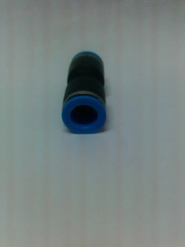 conector racor plástico 12 x 12. 1$