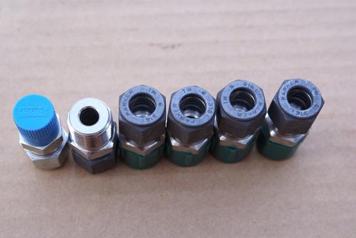 conector recto 3/8  od x 3/4  npt marca parker