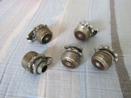 conectores antigos femea com rosca microfone delta frete grá
