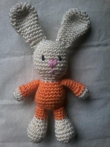 conejito tejido a crochet.100% artesnal