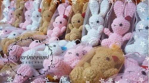 conejitos a crochet. amigurumis. llaveros. souvenir