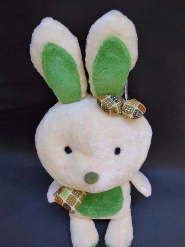 conejo mediano peluche