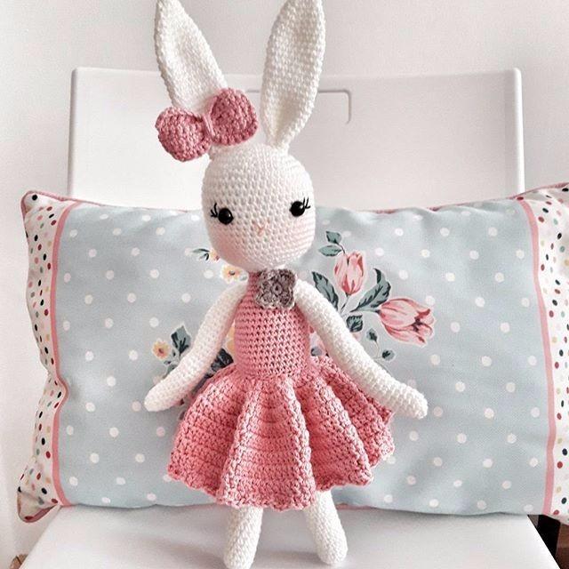 Conejo Muñequita A Crochet - $ 800,00 en Mercado Libre