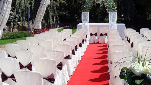 confección de fundas para sillas y mantelería para eventos